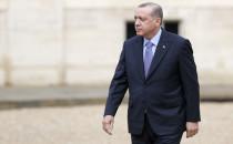 Liderlerin Yalnızlığı veya Zoraki Diktatörlük İftiraları